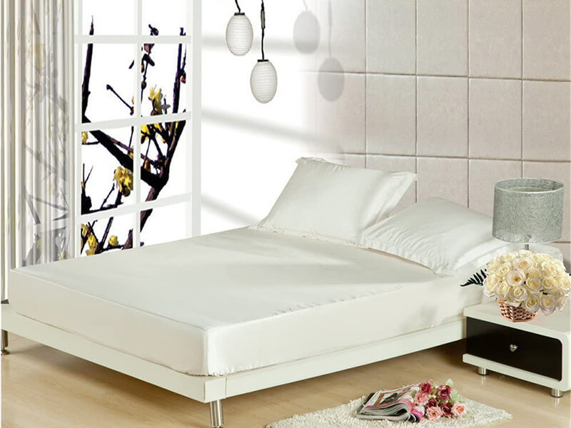 Cloud Fino Hotel Quality Luxurious Satin Sheets